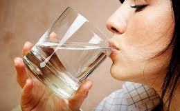 beber agua emagrece
