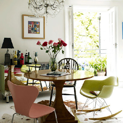 Herchekshmerchek dining table with different chairs for Table th not bold