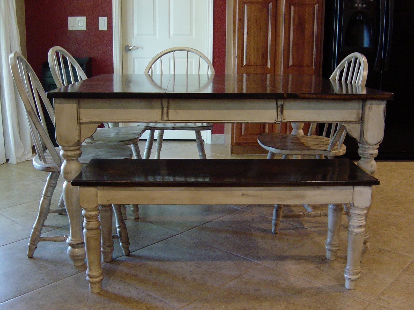 Remodelaholic kitchen table refinished with distressed look - Refinishing a kitchen table ...