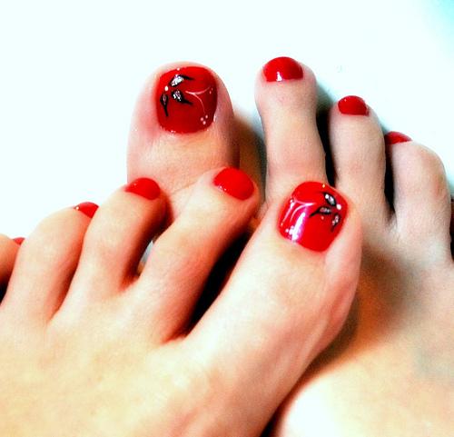 Beautiful Red Toe Nail Art Design - Beautiful Nail Art: Beautiful Red Toe Nail Art Design