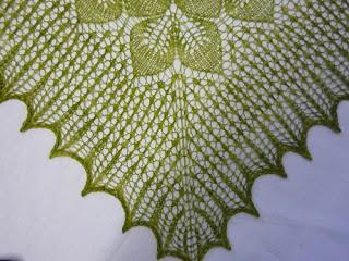 Шарфы, шали и накидки. Схемы и описания. Вязание спицами