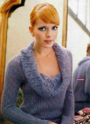 свой цитатник или сообщество!  Мохеровый ажурный пуловер.