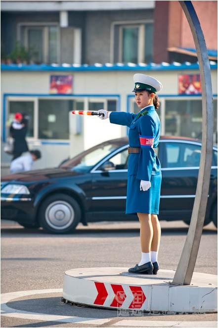 north korean girls. 朝鮮女交警North Korean traffic
