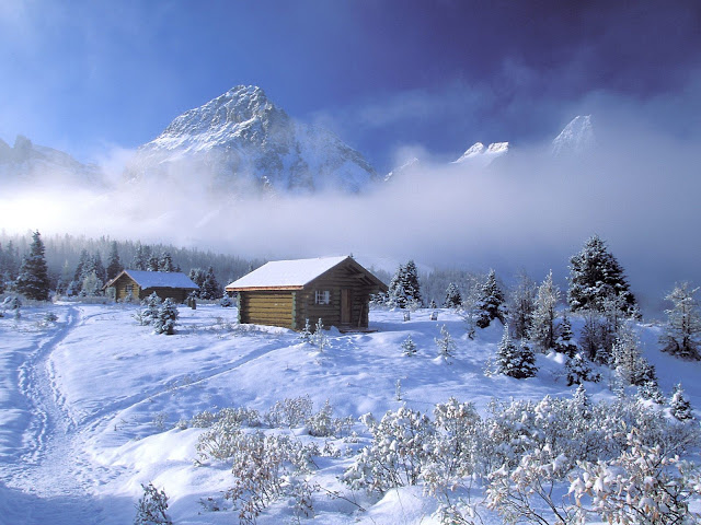 Winter wallpapers cabin in the mountains