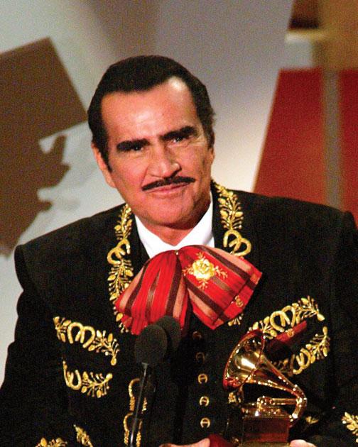 vicente fernandez era tildado de homofobico pero de un tiempo a estaVicente Fernandez De Nino