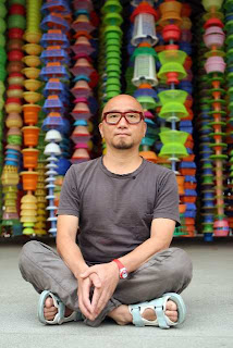 Choi Jeong-hwa with HappyHappy, Photo Credit: Kirk McKoy: Los Angeles Times