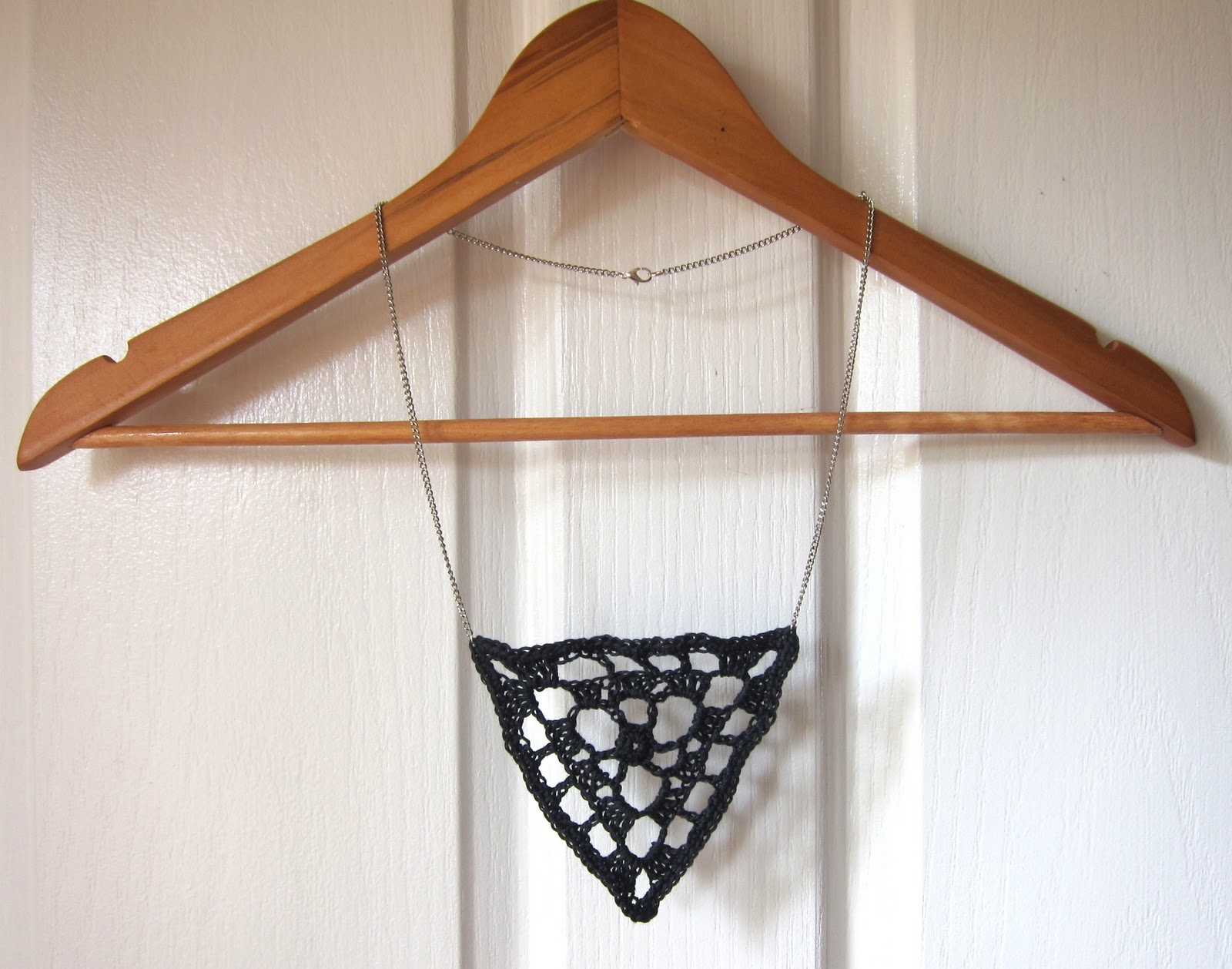 Crochet Geek - Free Instructions and Patterns: Crochet Triangle