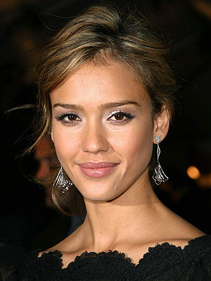 jessica alba short haircut 2011. Nice Medium Hairstyle from