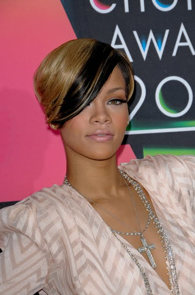 rihanna haircuts 2011. Latest Trendy Short Rihanna