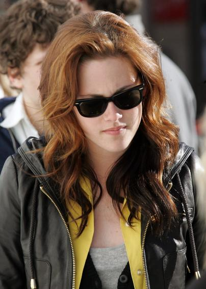 Kristen Stewart Gorgeous 2010 Long Hair with red color.