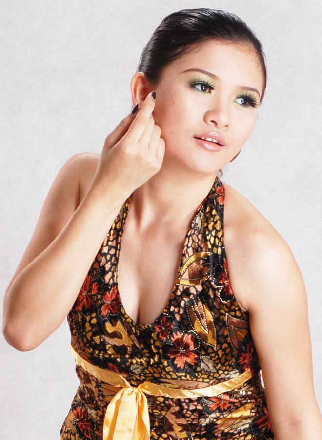 Myanmar Hot Model and Singer, Jenny's Beautiful Fashion