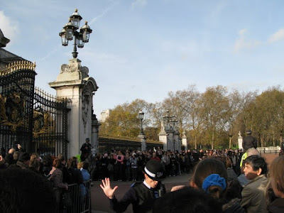 crowd at changing of the guard