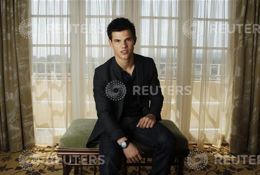 "Teen idol Taylor Lautner stars as werewolf Jacob Black in ""The Twilight ..."