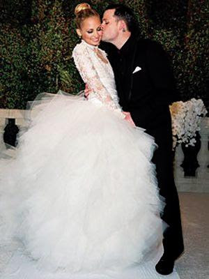 nicole-richie-wedding-dress-joel-madden