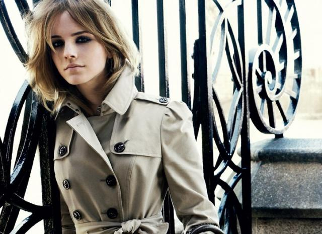 Here she is in a classic Burberry trench from their Fall 2009-2010 ad