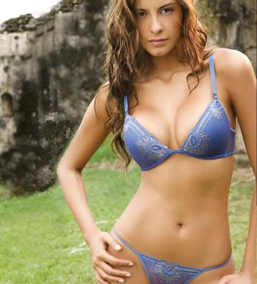 Laura Acu A Hermosa