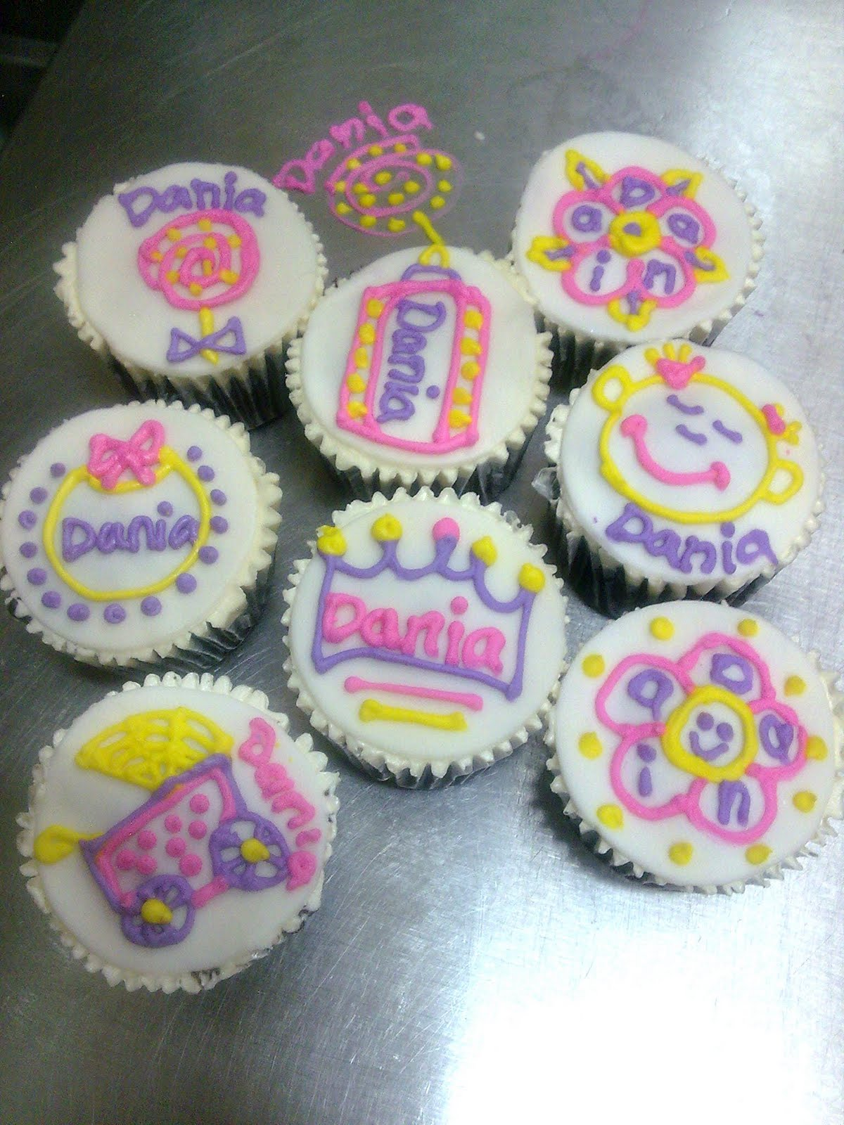 Royal Icing For Cupcakes