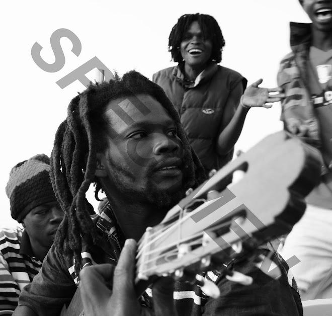 """""""Oumar mon fwere reggaeman de Toubab Dialow!"""""""
