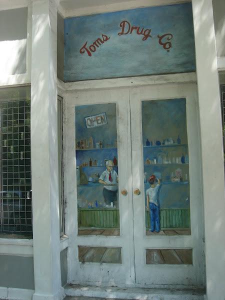 Tom's Drug Store