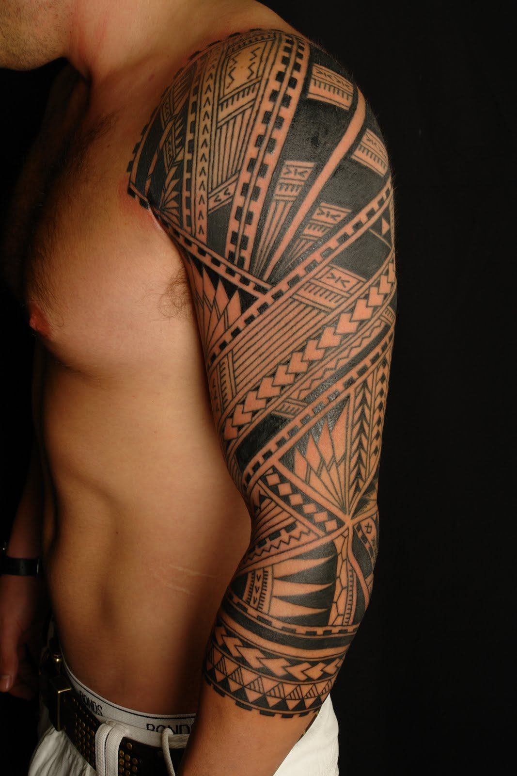 maori polynesian tattoo samoan polynesian sleeve tattoo. Black Bedroom Furniture Sets. Home Design Ideas