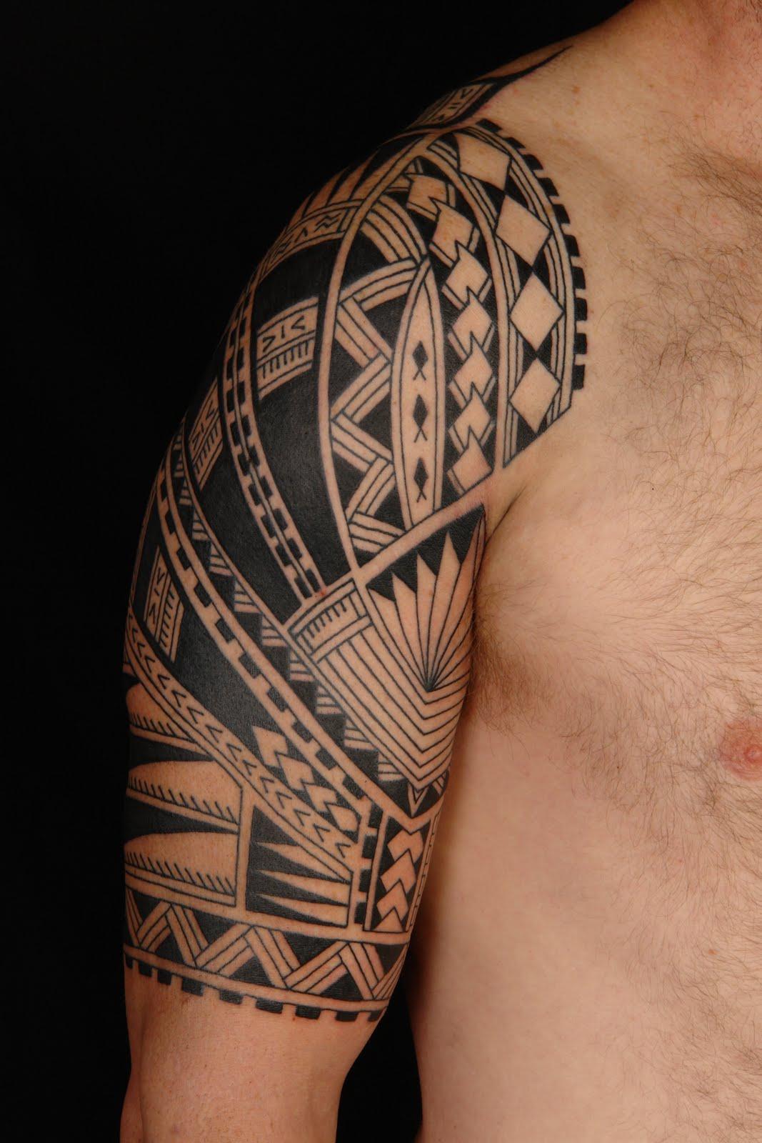 Maori polynesian tattoo samoan polynesian half sleeve tattoo for Polynesian tattoo designs