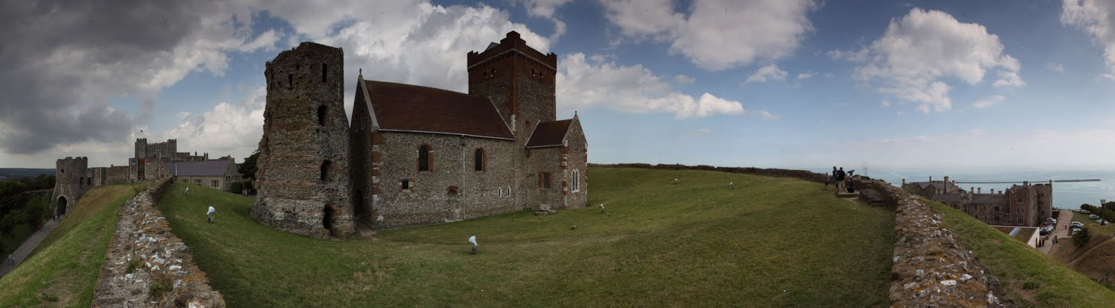 [dover+castle+panorama.jpg]