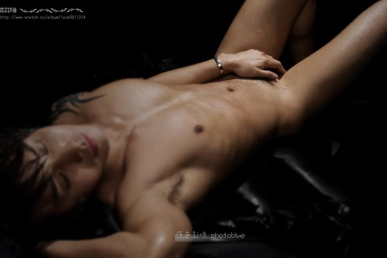 boys nude while is sleeping