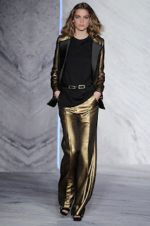 сиво - Облекло, мода, елегантност - Page 2 782321i33958uphiliplimw600h600