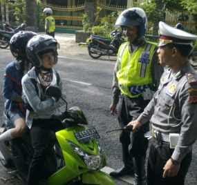 Tips Ampuh Lolos dari Razia Polisi