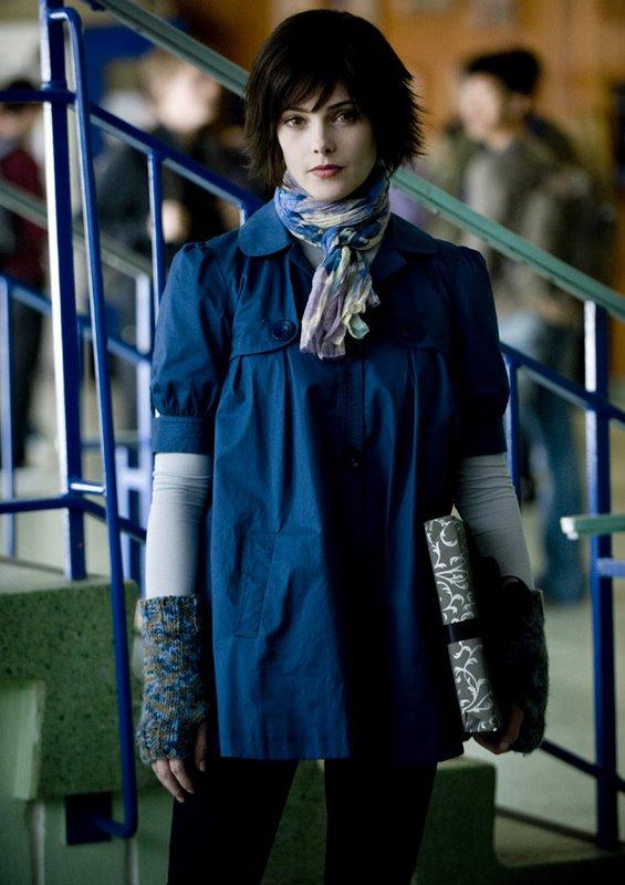 Una visita complicada {Alice Cullen y cameo de Bella Swan} 019