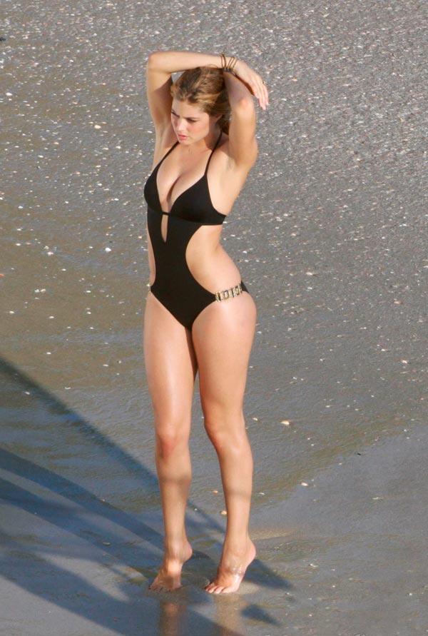 hottest bikini bodies 2010. hottest bikini bodies 2010.