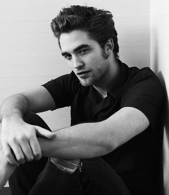Robert Pattinson Eyes on Robert Pattinson Eyes Bond Role