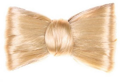 mèche de cheveux blonds