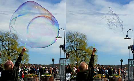 Life and death of a soap bubble