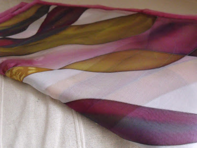 céges ajándék ötletek: selyemkendő vagy selyemsál