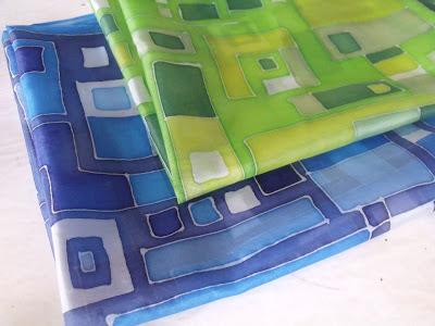 hundertwasser inspiráció - kézzel festett selyemkendő ajándékba