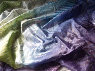 ajándék ötletek: kézzel festett selyemkendő