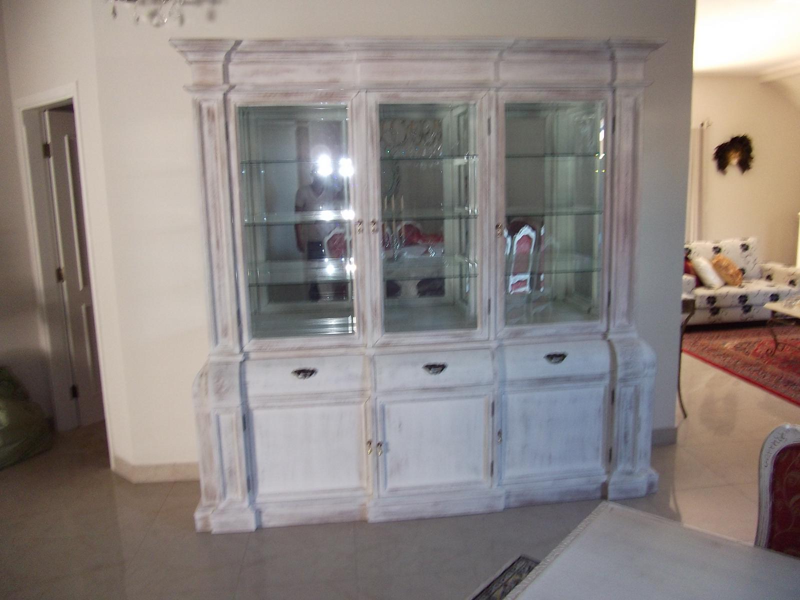 decoracao de interiores em estilo provencal:de moveis peças exclusivas executadas pelos melhores artesãos de