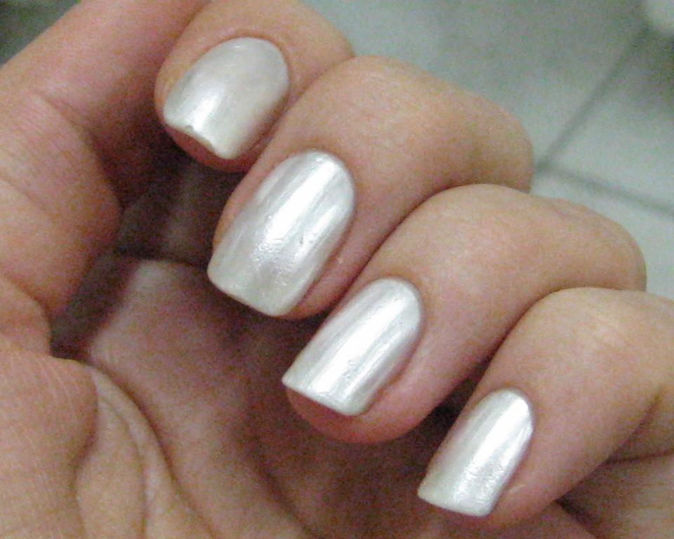 Перламутровый лак для ногтей фото ногтей