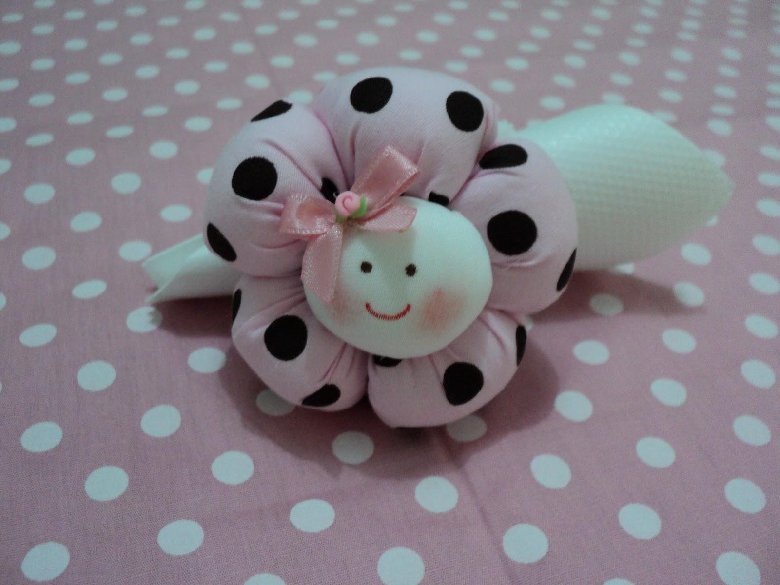 artsim: Porta guardanapos menina flor