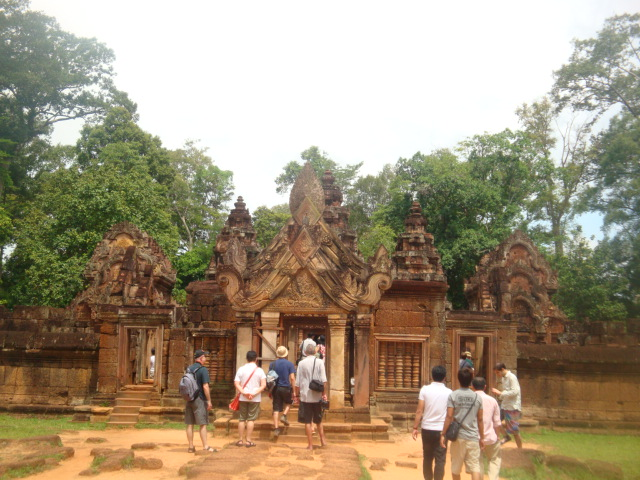 attract tourists to visit siem reap About 50 percent of chinese tourists to cambodia spend their holidays visiting the angkor archeological park in siem reap province, he said, adding thong khon said cambodia is projected to attract 7 million international visitors, including 2 million chinese tourists in 2020, which could lead to a gross.