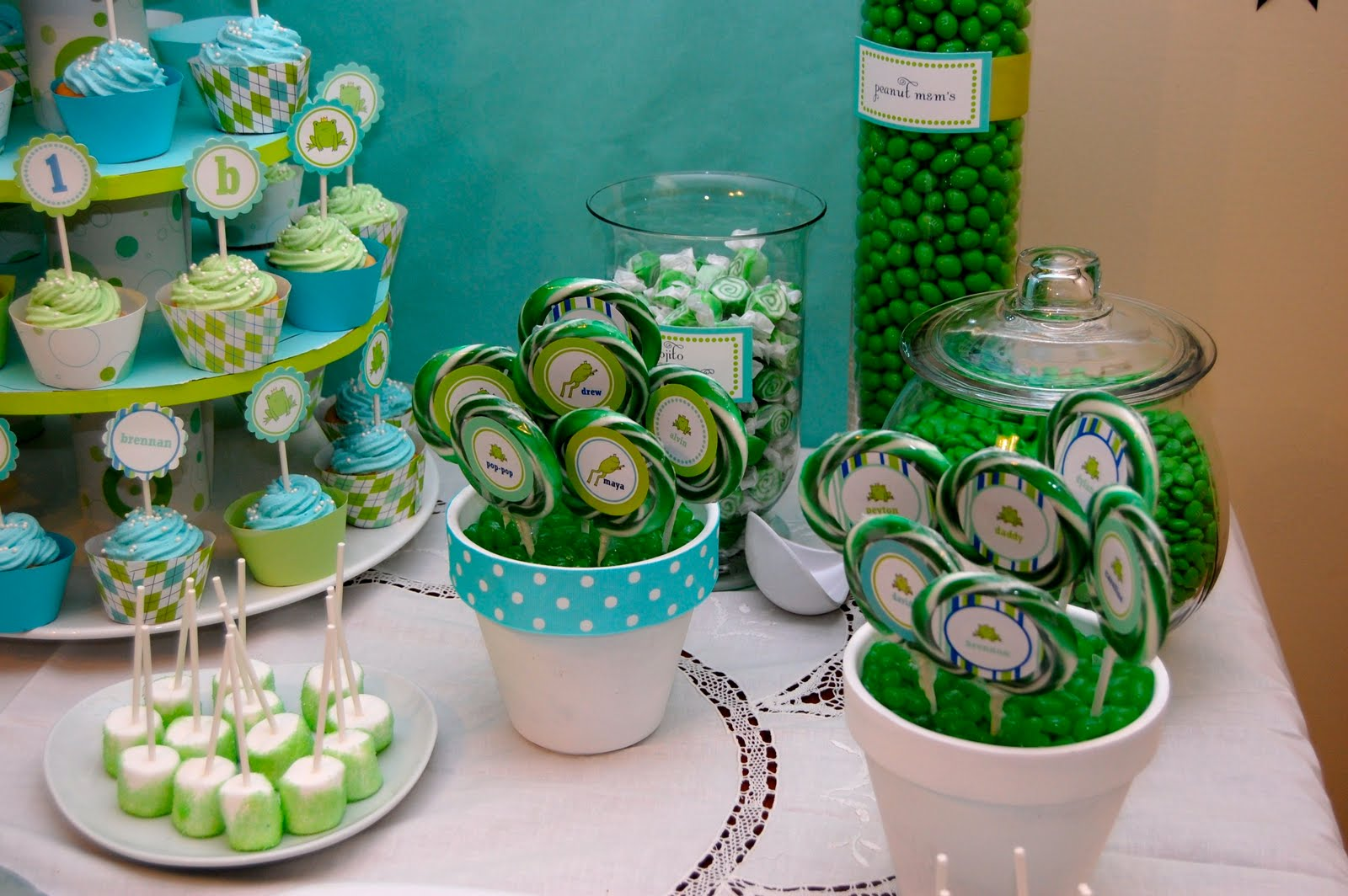 The frog prince birthday candy buffet the birthday party wow each one of the candy jars reviewsmspy
