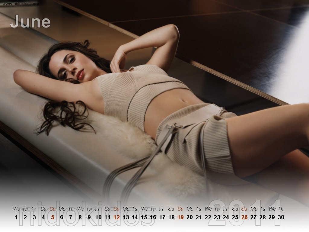 http://1.bp.blogspot.com/_urZCQQZj50Y/TR1p0KIqY5I/AAAAAAAAAa4/yUKULxRPeec/s1600/Eliza+Dushk+Calendar+2011+%25286%2529.jpg