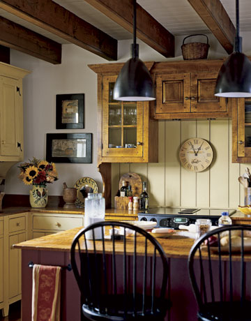 Kitchen cabinets country cottage kitchen photos for Country cottage kitchen ideas