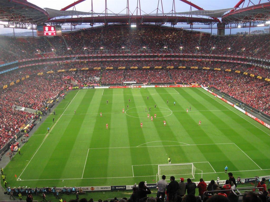 http://1.bp.blogspot.com/_ut1p3wRo4bk/S90hJ51mrwI/AAAAAAAAAV4/O7ZmP5hzgRU/s1600/Estadio-da-Luz-SLBenfica_Aposta-X.jpg