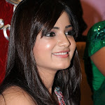 Samantha Looking Cool  Photo Gallery