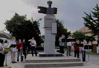 Concert la statutuia lui Bela Bartok