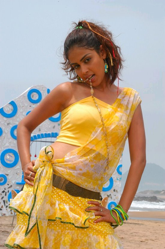 rebecca romjin wallpapers. South Indian Tamil,Telugu Actress Genelia Sexy hot wallpapers