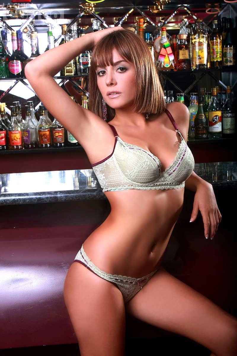 Valeria Bringas (Luciana de al fondo hay sitio) Galeria de fotos Valeria-bringas-luciana-al-fondo-hay-sitio-0%2B(2)