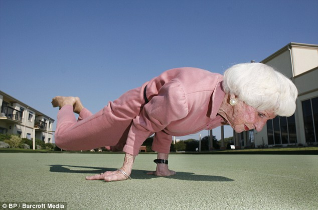 funny+grandma+yoga.jpg